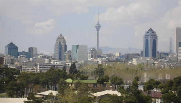 Tehran Skyline, May 2007 (Amir1140)